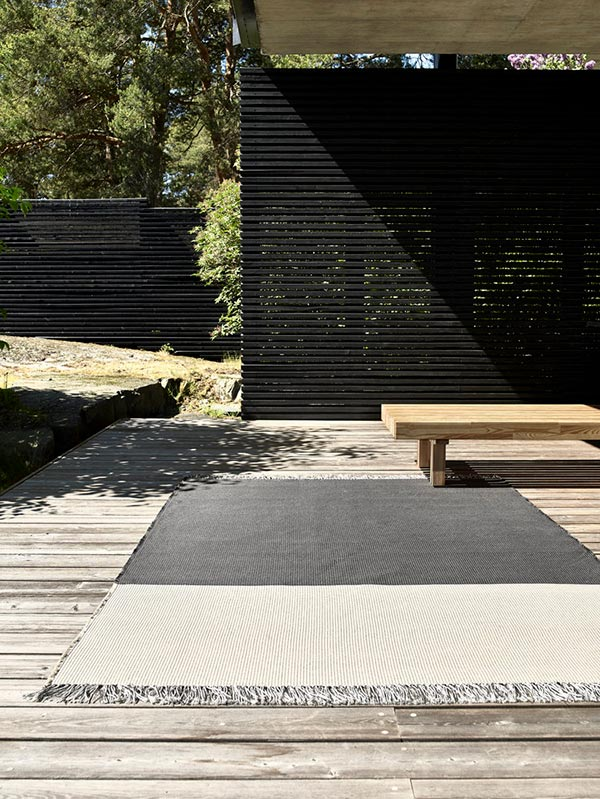 Woodnotes Outdoor River Carpet Use 3