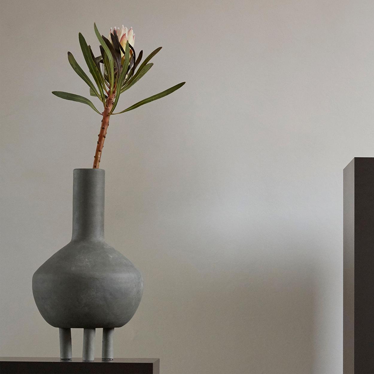 101 Copenhagen Duck Vase On The Table