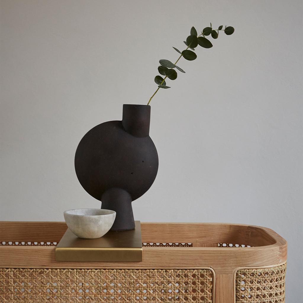 101 Copenhagen Sphere Vase Bubl Mini Coffee With a Flower