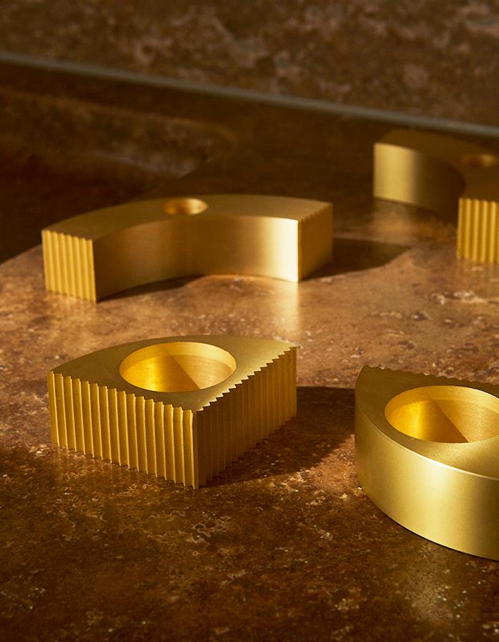 AYTM_UNUM-Tealight-holder_Gold