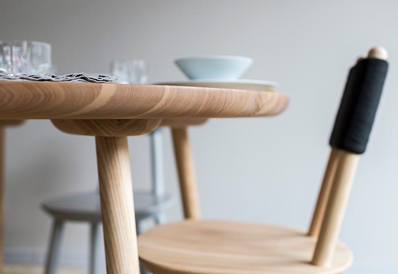 Emko-Naiive-Dining-Table