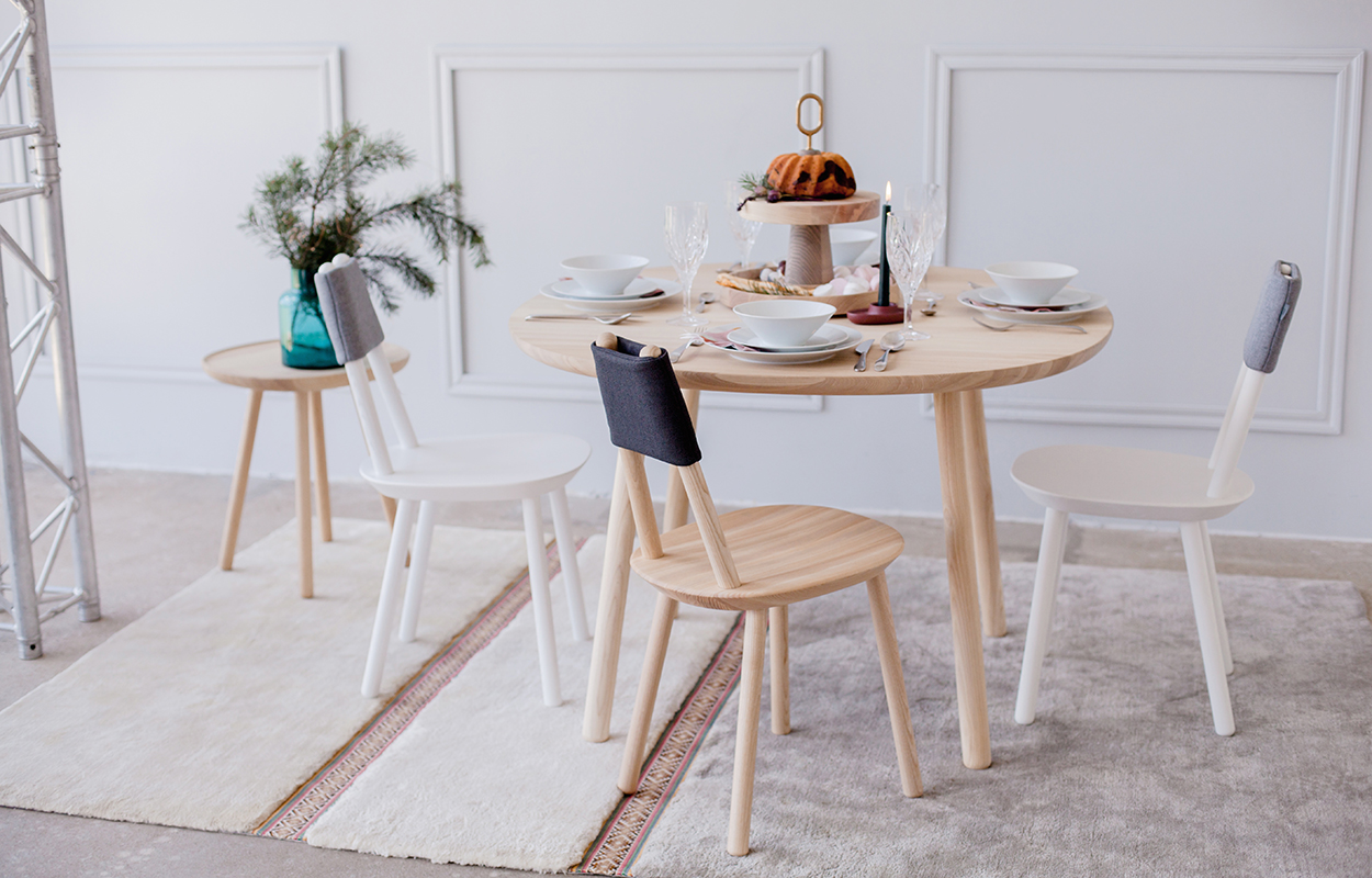 Emko-Naiive-Dining-Table