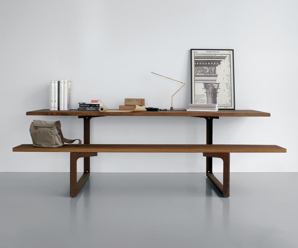 Hammer HA03 table